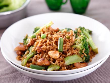 אורז מוקפץ עם ברוקולי (צילום: אפיק גבאי, אוכל טוב)