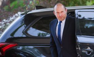 בנט נכנס לבית הנשיא (צילום: אוליבר פיטוסי, פלאש 90)