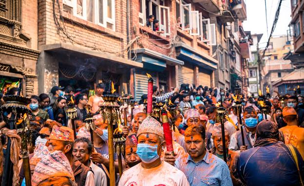 חגיגות בקטמנדו בזמן קורונה (צילום: gorkhe1980, shutterstock)