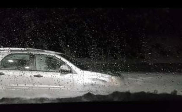 הרכב שנתקע בשלג (צילום: באדיבות המשפחה)