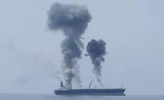 תיעוד: פיצוץ ושרפה במכלית נפט מול חופי סוריה