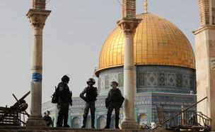 הר הבית, שוטרים, שוטר, ירושלים (צילום: רויטרס)