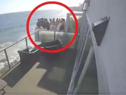קליפורניה: 9 בני אדם נפצעו בהתמוטטות מרפסת מול הים