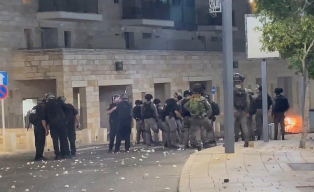 כוחות הביטחון בהיערכות במהומות בעכו