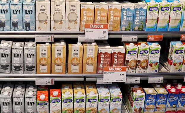 """תחליפי חלב בחו""""ל (צילום:  SariMe, shutterstock)"""
