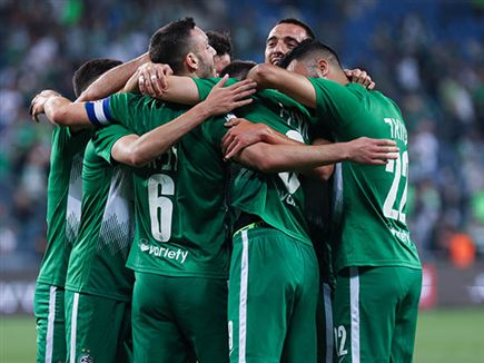 במכבי חיפה מנסים לשמור על השגרה (דני מרון) (צילום: ספורט 5)