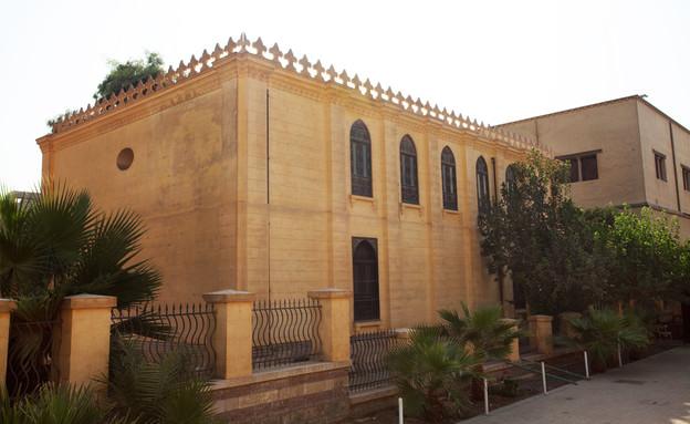בתי כנסת שבועות, בית הכנסת בן עזרא קהיר (צילום: Joshua Shamsi for Diarna.org )