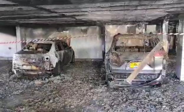 רכבים מפוחמים בחיפה בהבוקר (צילום: החדשות12)