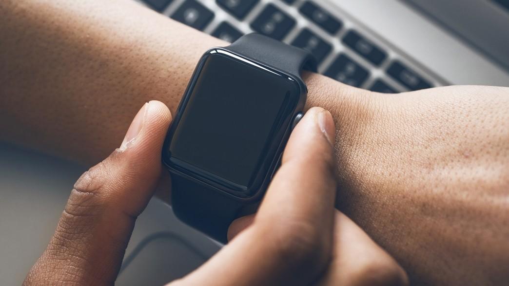 שעון חכם (אילוסטרציה) (צילום: Twin Design/Instagram)