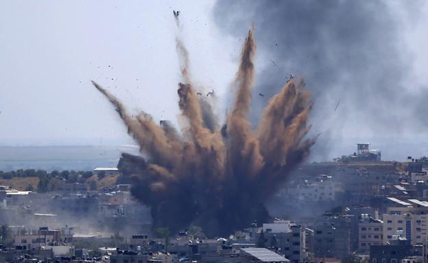 הפצצות חיל האוויר בעזה - תמונה מאתמול (צילום: AP)