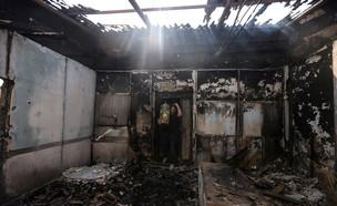 בית כנסת שרוף בלוד (צילום: רויטרס)