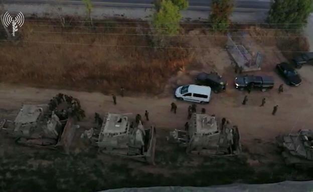 """תקיפה ישראלית בעזה (צילום: דו""""צ, noon)"""