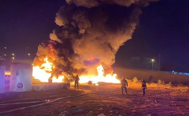 מאירועיי השריפות בערים רמלה לוד הלילה (צילום: תיעוד מבצעי כבאות והצלה)