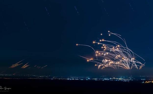 יציאות מרצועת עזה מול כיפת ברזל של אשקלון הלילה (צילום: פיודור ספיר)