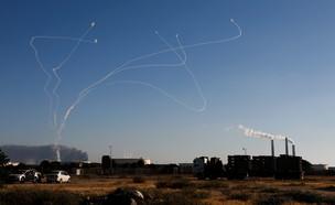 """מבצע """"שומר החומות"""": ירי רקטות מרצועת עזה לעבר ישרא (צילום: שי פרנקו,רויטרס)"""