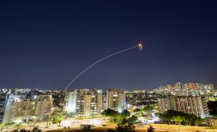 """מבצע """"שומר החומות"""": ירי רקטות מרצועת עזה לעבר ישרא (צילום: שי פרנקו, רויטרס)"""