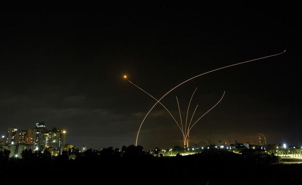 יירוטים מעל שמי הדרום (צילום: Edi Israel/Flash90)