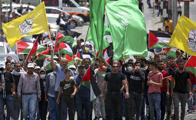 הפגנת תמיכה בחמאס, בית לחם, היום (צילום: וויסאם השלמון, פלאש 90)