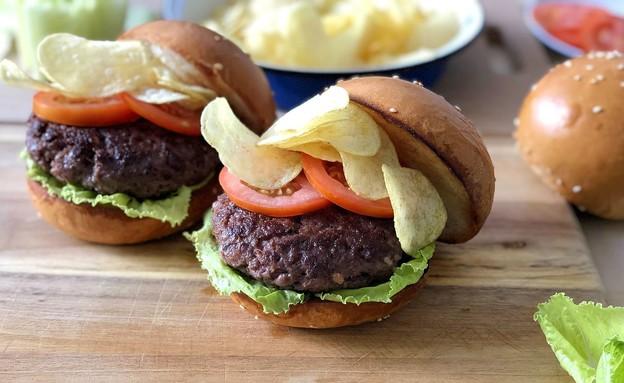 המבורגר קראנץ' (צילום: עז תלם, אוכל טוב)