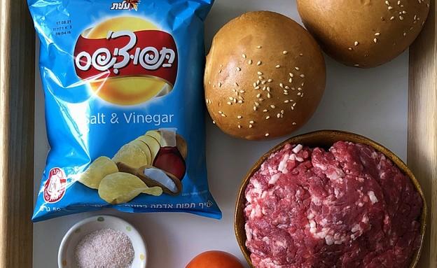 המבורגר קראנץ' - המרכיבים (צילום: עז תלם, אוכל טוב)