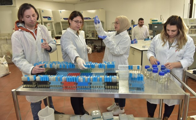 סטודנטים במכללה האקדמית להנדסה אורט בראודה (צילום: באדיבות המכללה)
