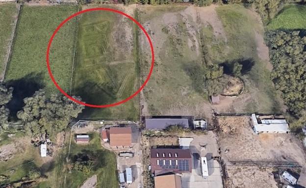 הדשא המכוסח בגוגל ארת' (צילום: Google Earth)