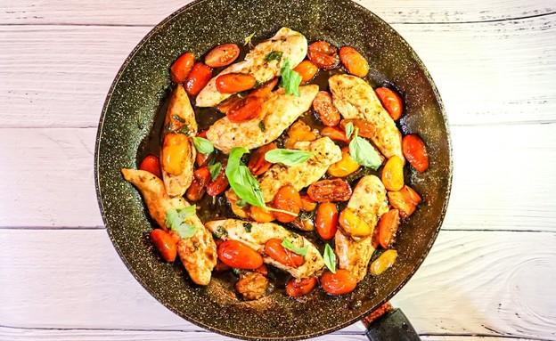חזה עוף קפרזה (צילום: רותם אלון, אוכל טוב)