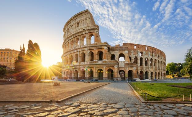 הקולוסיאום ברומא, איטליה (צילום: By prochasson frederic, shutterstock)