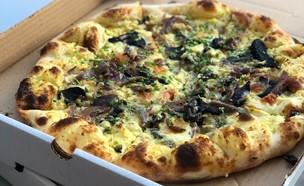 פיצה לבנטינה - פיצה כביש 70 (צילום: ניצן לנגר, אוכל טוב)