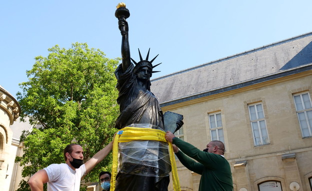 """""""The little sister"""" Of the Statue of Liberty (Photo: Reuters)"""