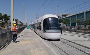 נסיעת מבחן לרכבת הקלה בפתח תקווה