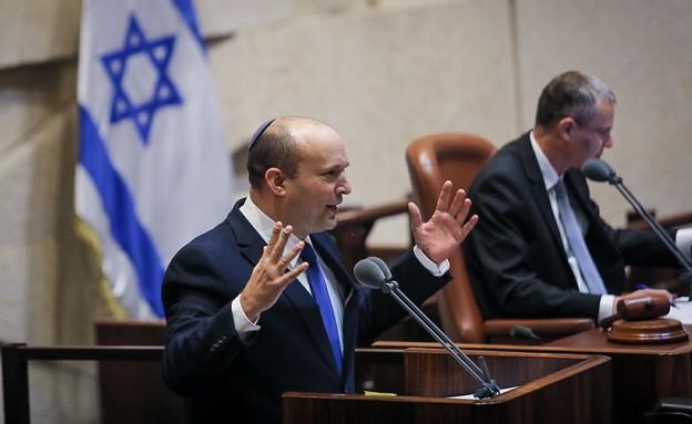 נפתלי בנט נואם בהשבעת הממשלה ה-36 של ישראל (צילום: נועם מושקוביץ, כנסת ישראל)