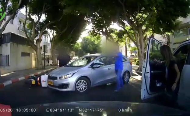 שליחי חברת המזון נוהגים בפראות בכבישים (צילום: אור ירוק)
