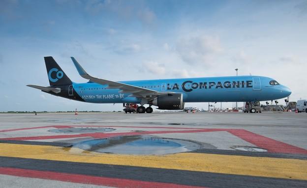 """המטוס החדש של """"לה קומפני"""" מגיע לישראל (צילום: LA COMPAIGNIE)"""