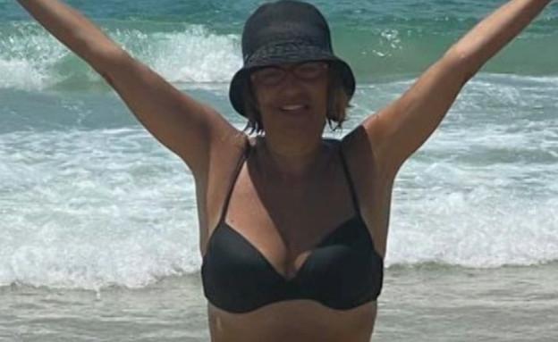 """בת ה-60 פלוס שמעלה תמונות בביקיני (צילום: מתוך """"פאולה וליאון"""", קשת 12)"""