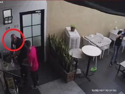 ג' הואשם בניסיון רצח - מצלמות האבטחה הוכיחו שהוא כלל לא היה בזירת האירוע