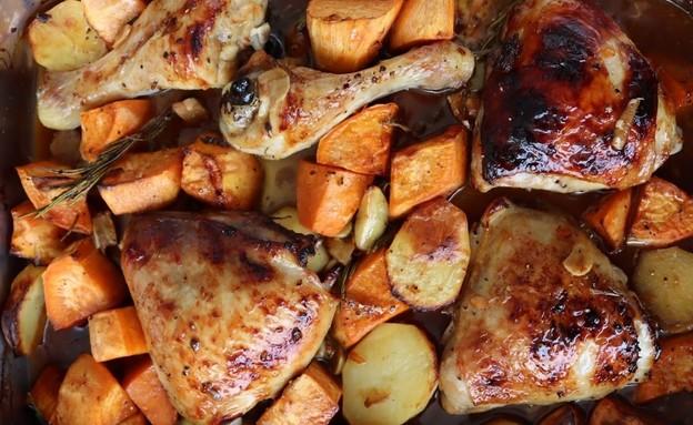 עוף בגריל עם תפוחי אדמה, בטטות ורוטב הכי קל (צילום: רון יוחננוב, אוכל טוב)