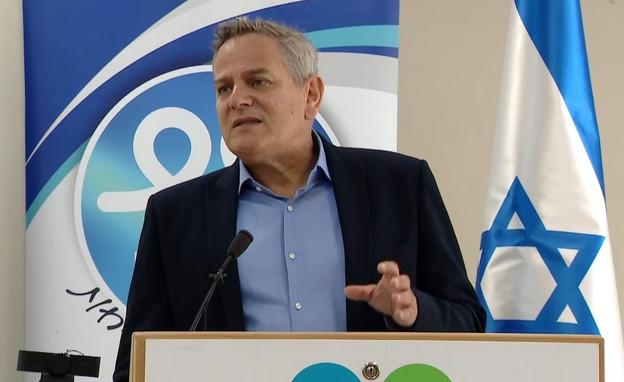 שר הבריאות ניצן הורוביץ בהצהרה לתקשורת (צילום: משרד הבריאות)