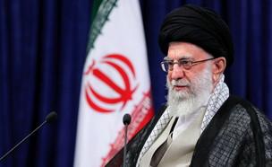 המנהיג העליון של אירן עלי חמינאי נואם (צילום: רויטרס)