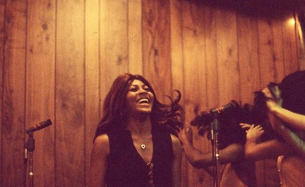 """טינה טרנר, מתוך הסרט """"טינה"""" (צילום:  Rhonda Graam)"""