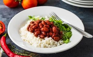 שעועית לבנה ברוטב עגבניות (צילום: נמרוד סונדרס, אוכל טוב)