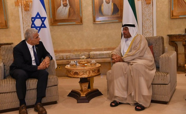 """שר החוץ יאיר לפיד נחת באבו דאבי (צילום: שלומי אמסלם, לע""""מ)"""