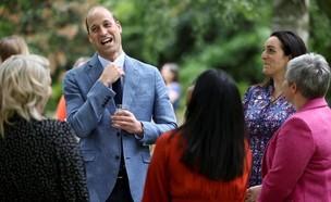 הנסיך וויליאם מארח (צילום: instagram)