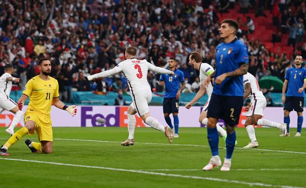 נבחרת איטליה מאוכזבת (צילום: רויטרס)