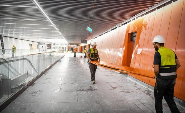 בניית תחנת אלנבי של הרכבת הקלה, 14 ביולי 2021 (צילום: יוסי זליגר, פלאש 90)
