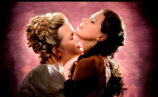 """""""רומיאו ויוליה"""" בגרסת סיפור אהבה בין שתי נשים, האו (צילום: יוסי צבקר, יח""""צ)"""