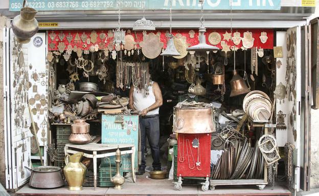 חזית של חנות בשוק הפשפשים ביפו תל אביב (צילום: Sliman Khader, פלאש 90)