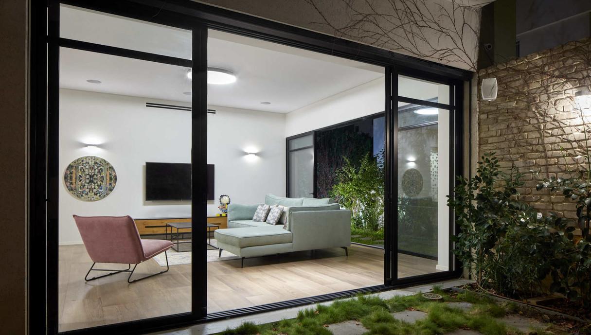 בית בעיר בשרון, עיצוב בלומנפלד מור אדריכלים - 8