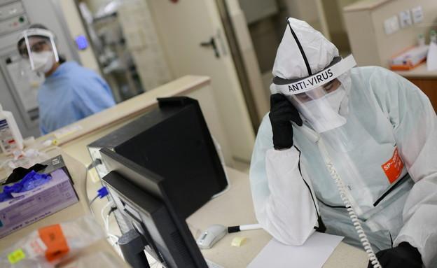 קורונה, ישראל, בית חולים, חולים, רופא (צילום: תומר נויברג / פלאש 90)