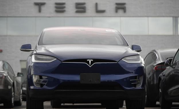 מכונית חשמלית של טסלה (צילום: AP)